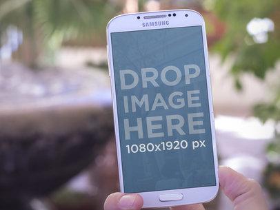 Samsung Galaxy S4 Portrait Close Up Shot